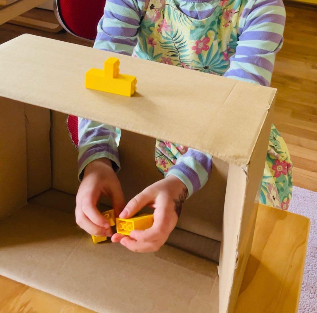 Lernen und Forschen mit Lego - Räumliches Vorstellungsvermögen und Tastsinn beim Nachbauen