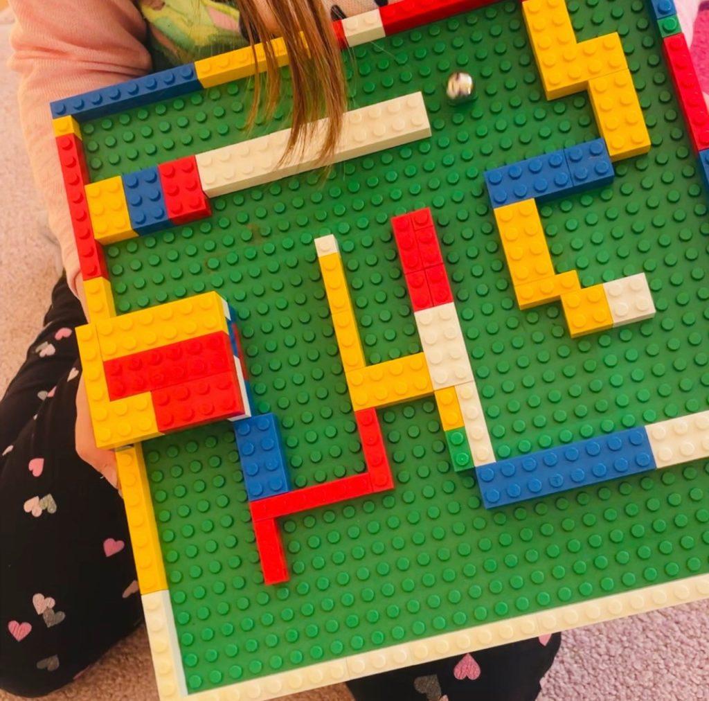 Lernen und Forschen mit Lego - Ausdauer und Konzentration im Kugel-Labyrinth